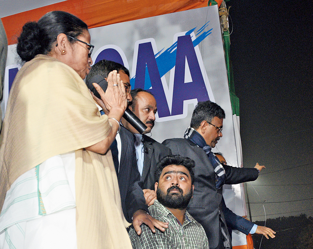 With folded hands, Mamata Banerjee tries to calm students at Esplanade and explains why she had met Prime Minister Narendra Modi, in Kolkata, Saturday, January 11, 2020.