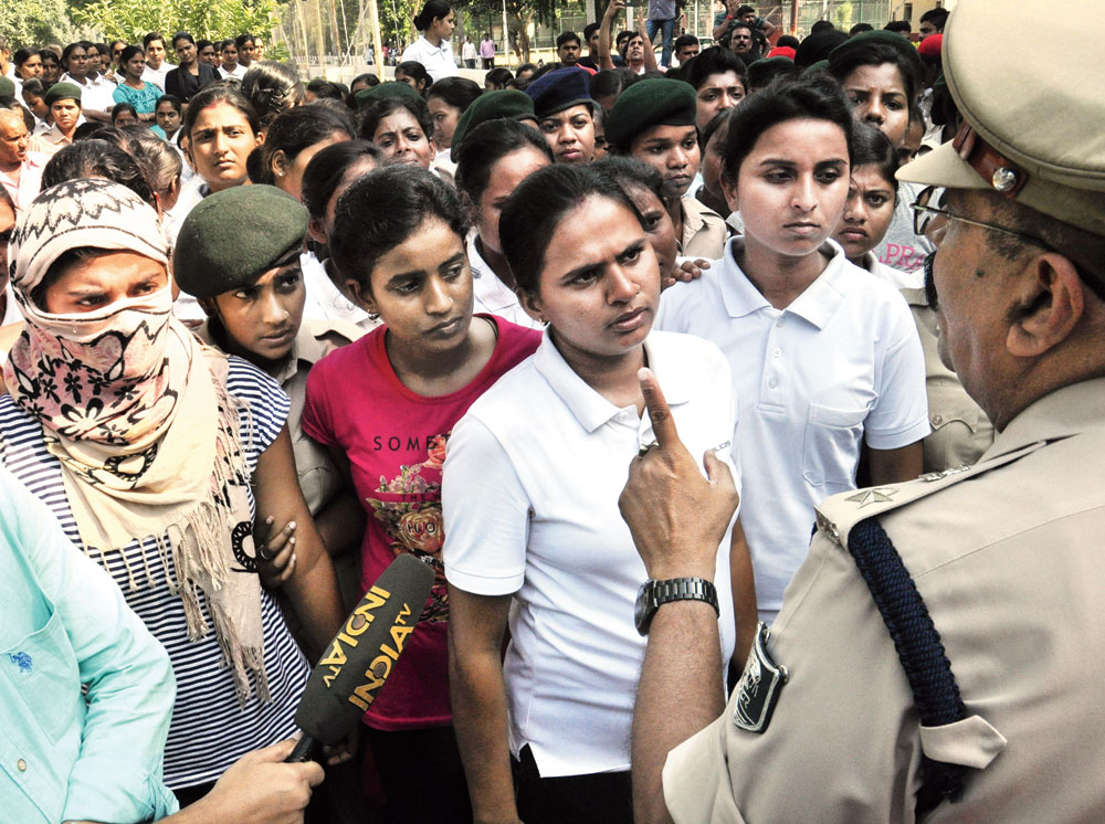 Trainee constables demonstrate in front of the commandant's office on the BMP 5 campus in Patna on Wednesday.