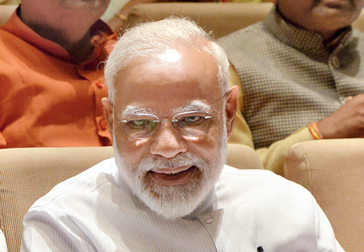 Modi gives Gandhi padyatra advice to MPs, silence on Pragya continues