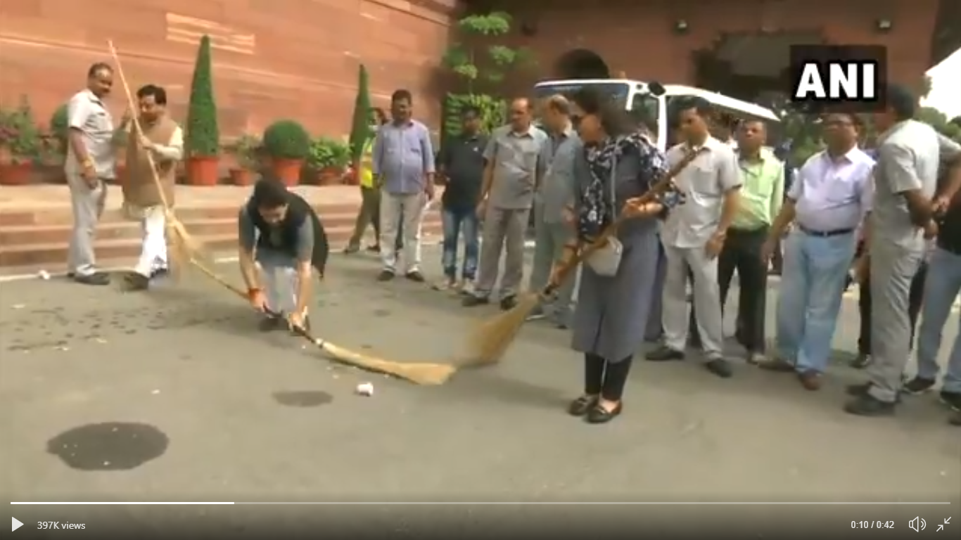 The Swachh Bharat sweeping contest with Hema Malini and Anurag Thakur