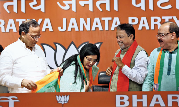 Bengal: Sovan switches to BJP with associate