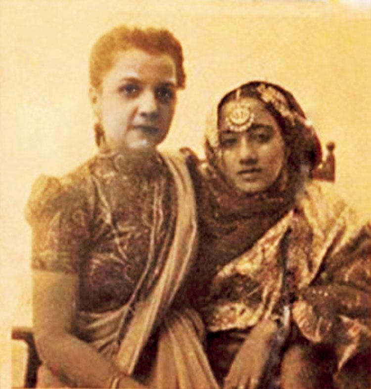 Qamar's granddaughter-in-law (left)