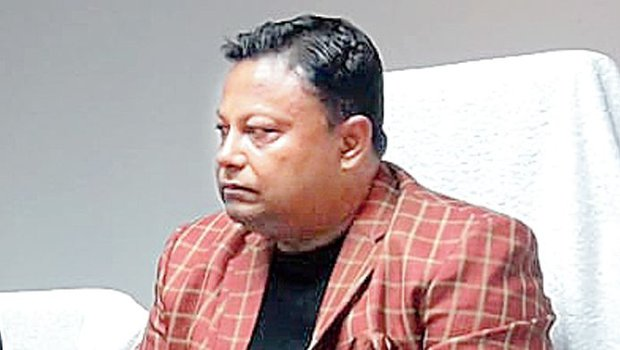 First, Anit Thapa, chairman, board of administrators, Gorkhaland Territorial Administration, announced that the hill body would directly transfer cash, collected in the GTA chairman's relief fund, to tea garden workers.