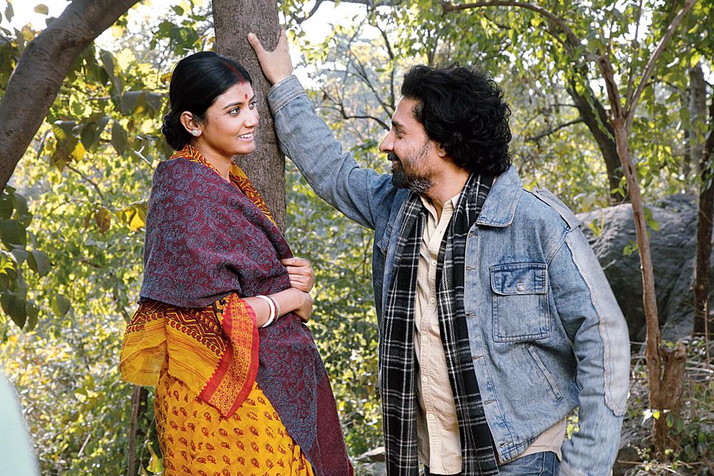 Parno and Chandan Roy Sanyal in 'Urojahaj'