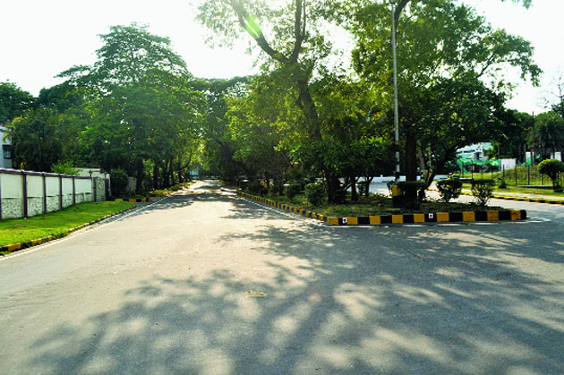 A deserted street at Northern Town in Bistupur, Jamshedpur.