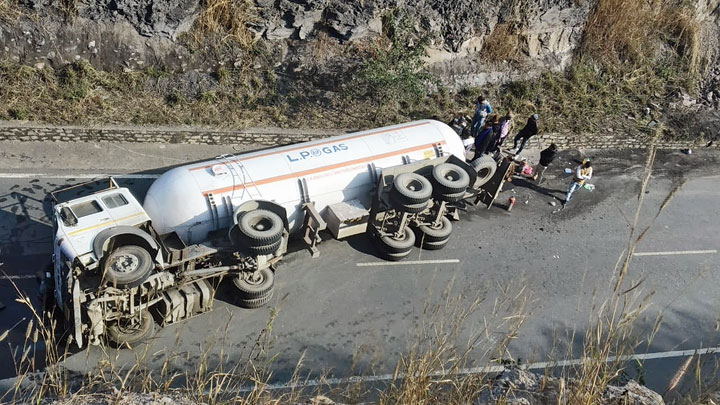 The overturned tanker in Ramgarh on Monday.