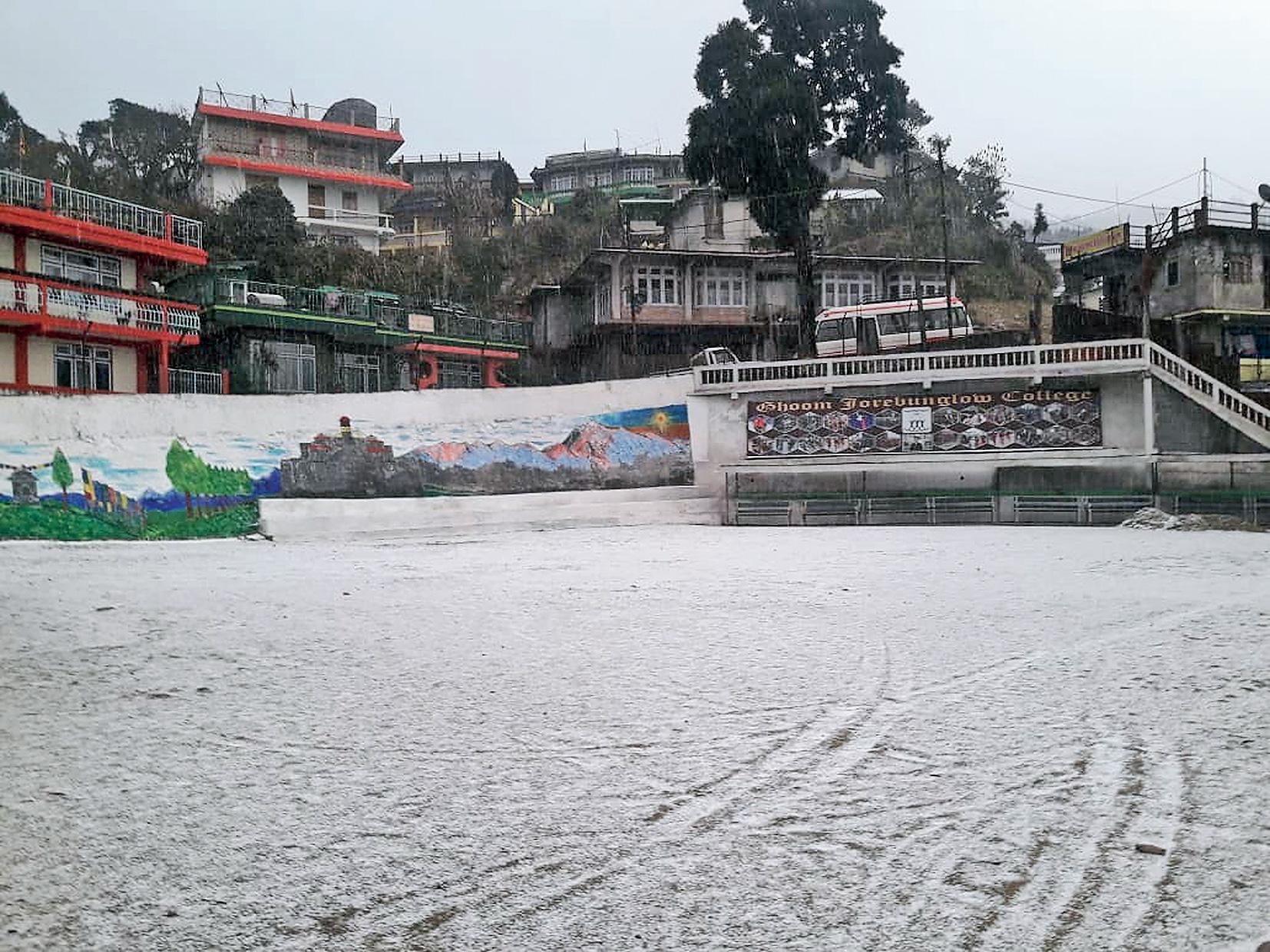 Jorebungalow near Darjeeling after the snowfall.