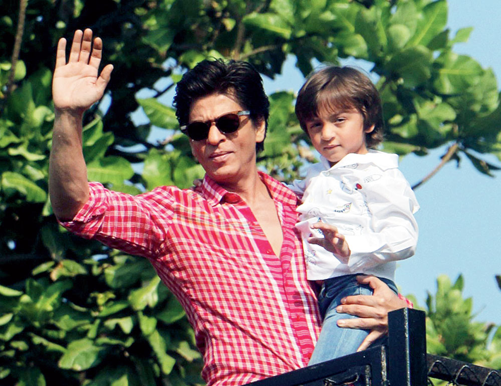 "SRK's day started with AbRam announcing ""the people are here"", referring to the fans who collect outside Mannat."