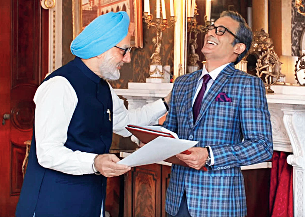 Anupam Kher and Akshaye Khanna in a scene from The Accidental Prime Minister