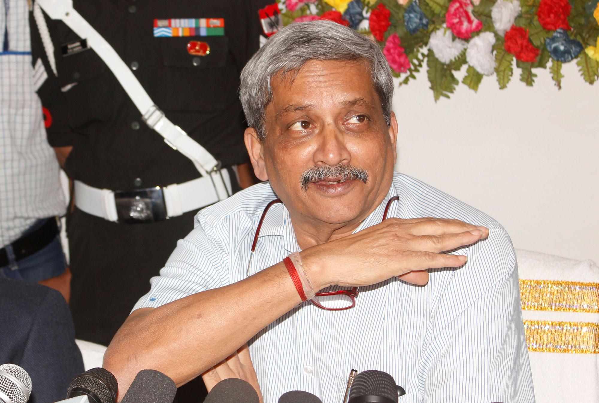 Parrikar knows deal secrets, says Cong