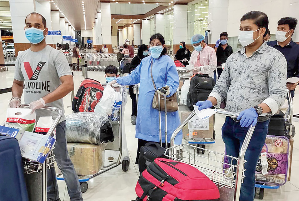 The government resumed domestic passenger flights from May 25 after nearly two months of suspension to combat the coronavirus outbreak, but placed lower and upper limits on airfares, depending on the flight duration.