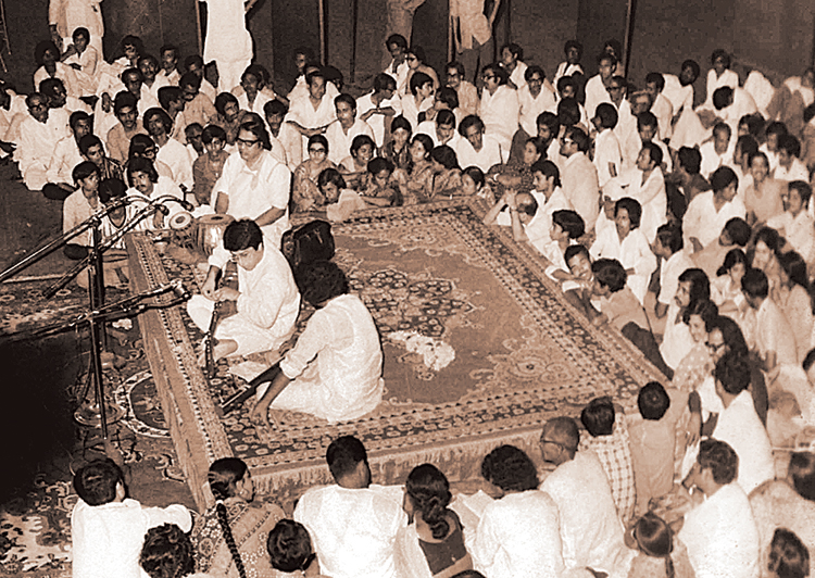 Hafiz Ali Memorial Music Festival, 1977, at Calcutta's Rabindra Sadan. The city of the late 1970s was rich with gifts for the aficionado of Indian classical music