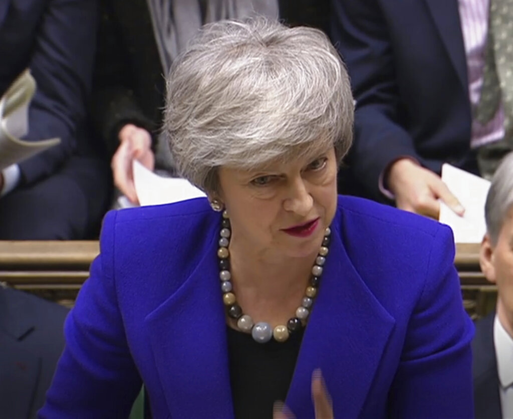 Theresa May traveling to Northern Ireland in Brexit bid