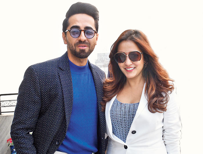 Once at the corporate address in Chowringhee, Ayushmann caught up with actor Raima Sen who looked smart and sassy in a white pantsuit.