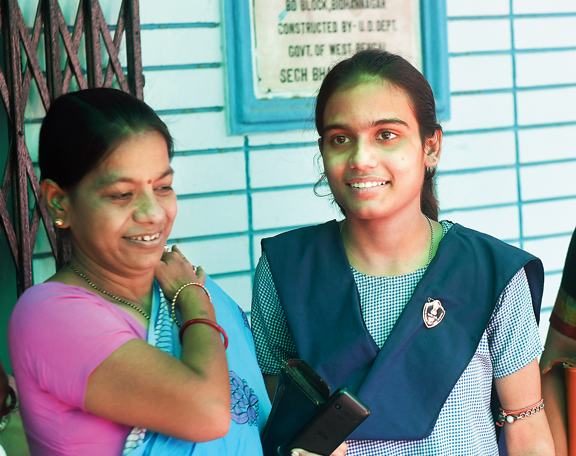 Sanjukta with mother Chaitali.