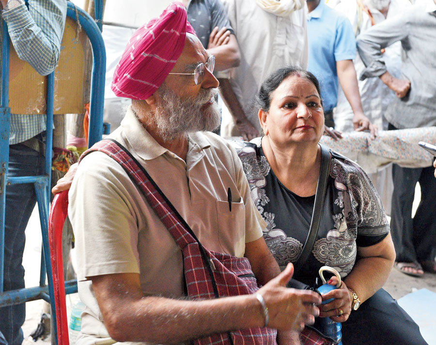 Gurmel Singh and wife Bimla Rani from Bathinda in Punjab at the protest site
