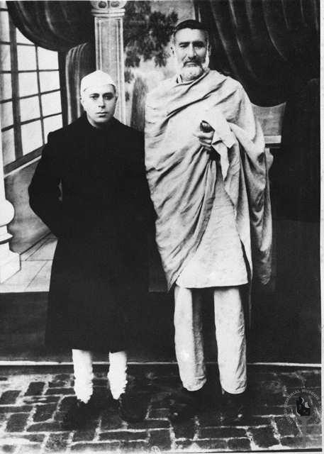 Jawaharlal Nehru with Abdul Ghaffar Khan, before 1950