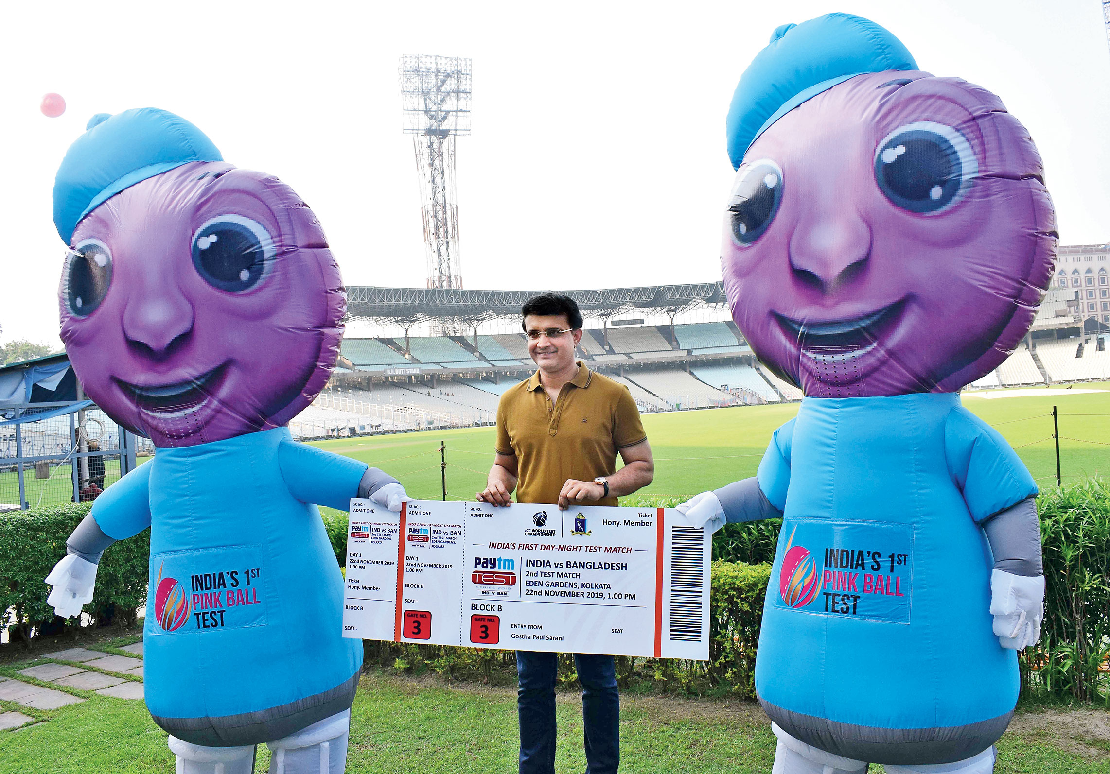 Sourav Ganguly with pink-ball Test mascots Pinku and Tinku at the Eden on Sunday.