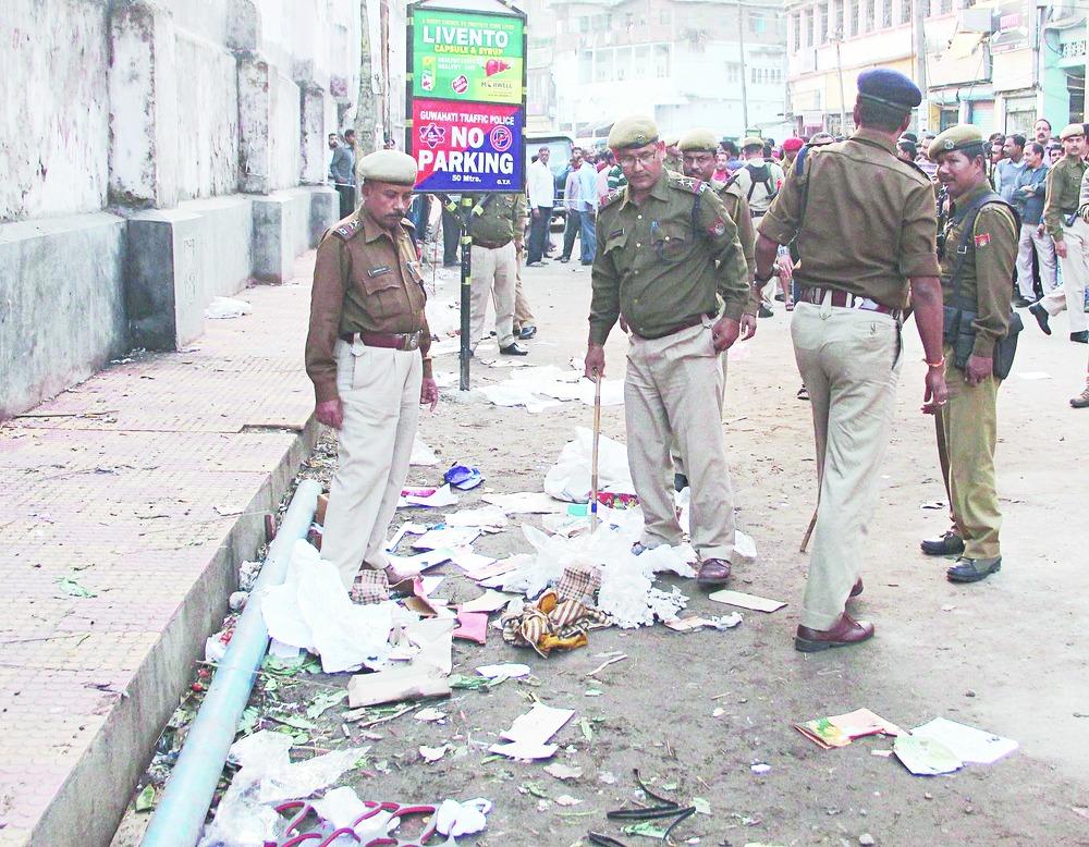 4 Hurt In Guwahati Cracker Blast - Telegraph India-6886