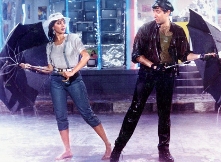 Sridevi and Sunny Deol in ChaalBaaz