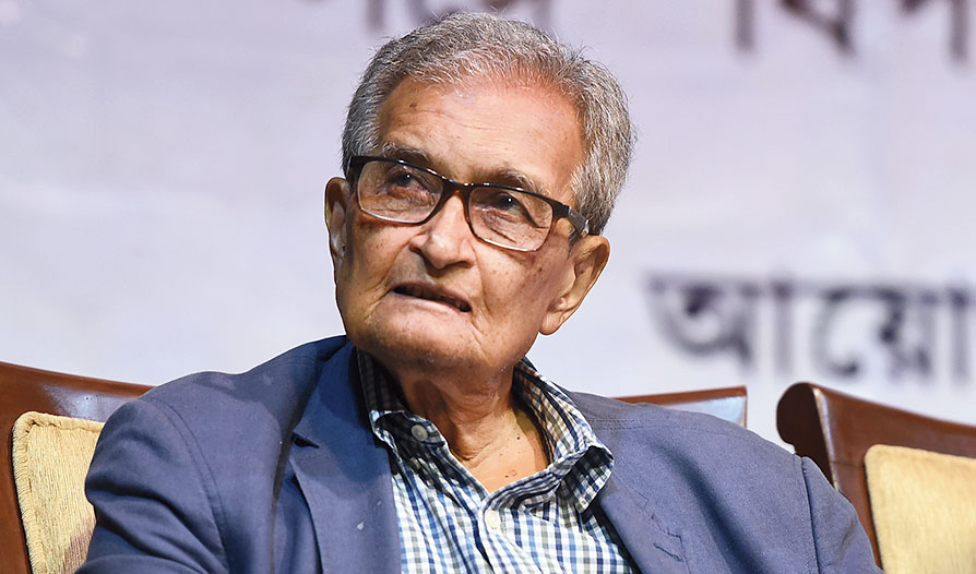 "Scientist Bikash Sinha has said ""Amartya Sen (in picture) is ultimately right"""