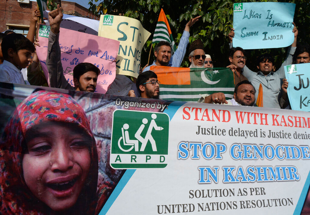 Pakistani protesters rally against India to express solidarity with Indian Kashmiris, in Peshawar, Pakistan, on  August 28, 2019.