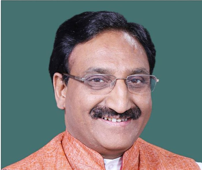 Ramesh Pokhriyal, the HRD Minister, was introduced at the event as a poet and author of 44 books, translated in 12 national and international languages