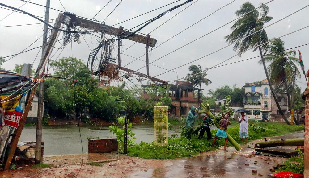A damaged power line in Burdwan