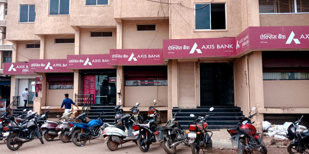 The potential transaction could see Axis Bank picking up a stake in the life insurer.  Shares of Max Financial soared over 9 per cent on the bourses on Thursday on reports that the private sector bank could pick up more than a 20 per cent stake in Max Life.