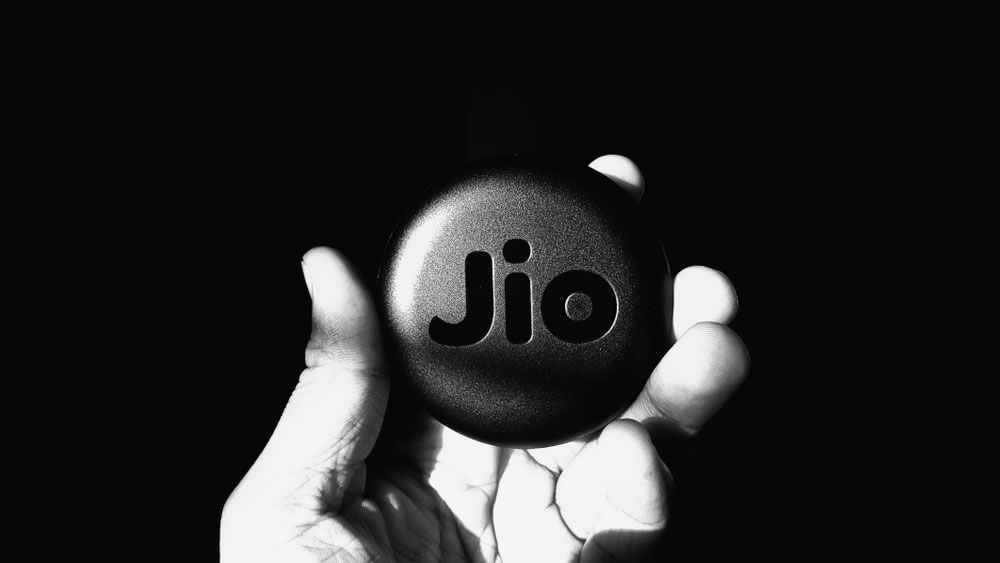 The government has also been hoping to raise money from auctioning expensive 5G spectrum but all phone companies except Jio are broke