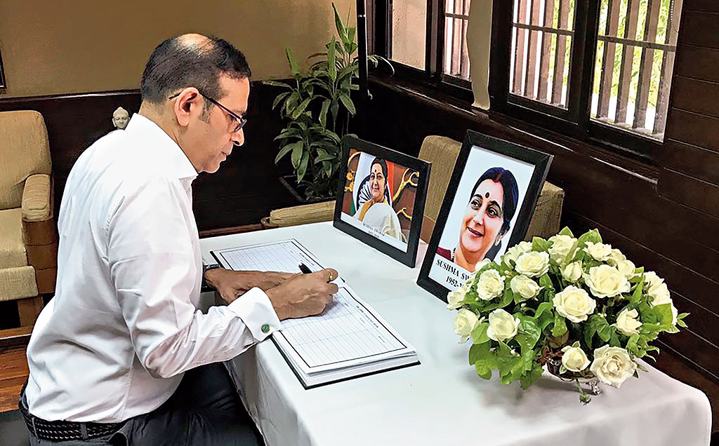 Indian High Commissioner to Pakistan Ajay Bisaria pays tribute to Sushma Swaraj in Islamabad on Thursday.