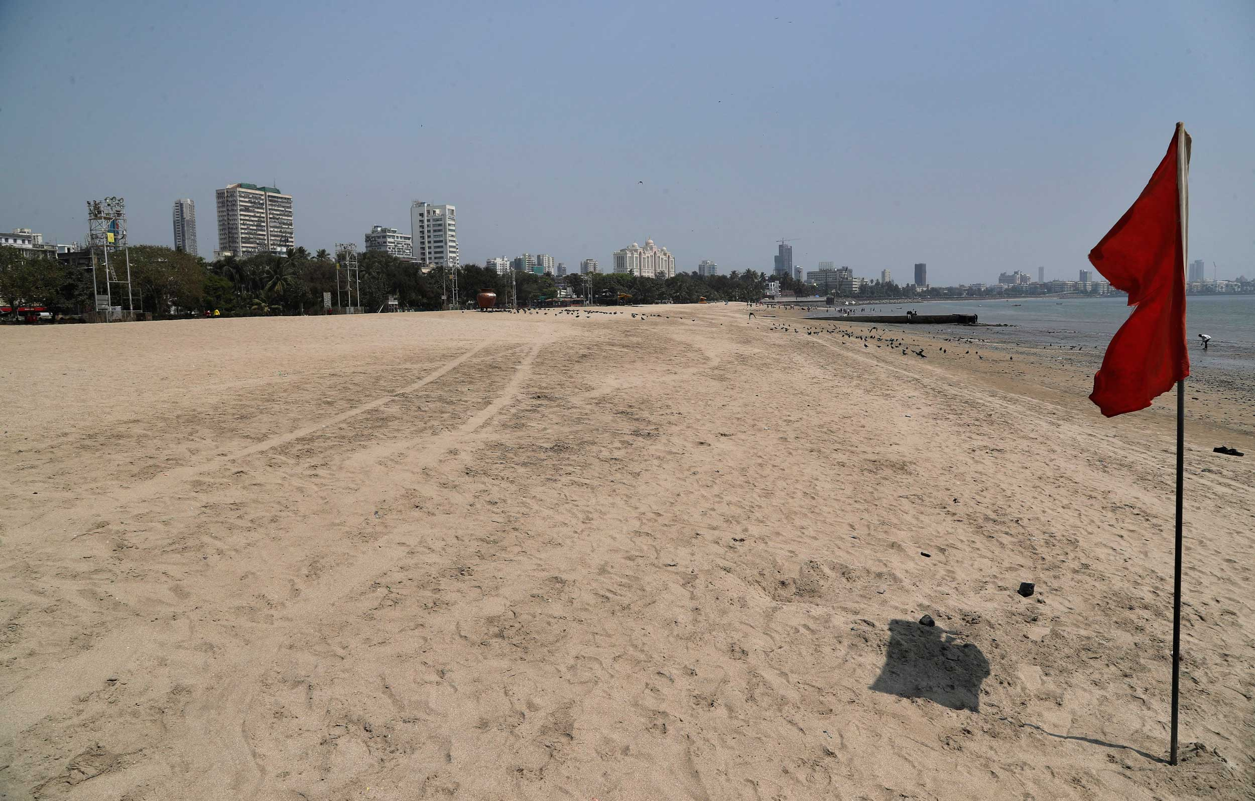 The deserted Girgaum Chowpatty beach after the Maharashtra government banned public gatherings to avoid the spreading of the coronavirus in Mumbai on Tuesday.