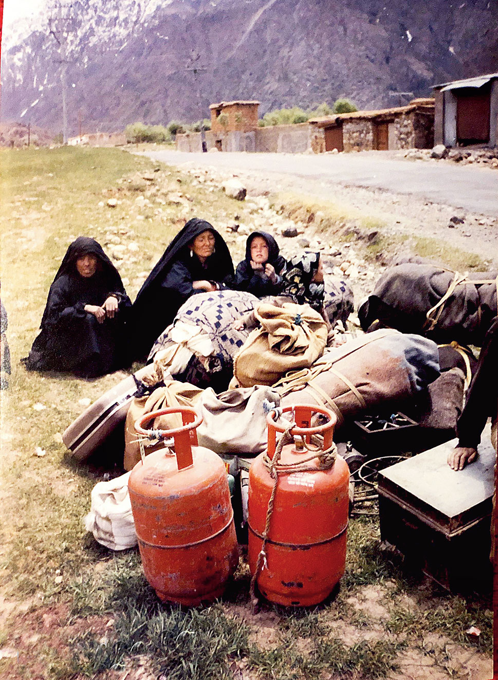 Kargil reports from 1999: War-time price for 3kg of rice