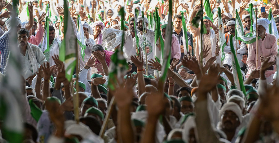 Farmers raise slogans during Kisan Kranti Padyatra at NH24 on Delhi-UP border in New Delhi on October 2.