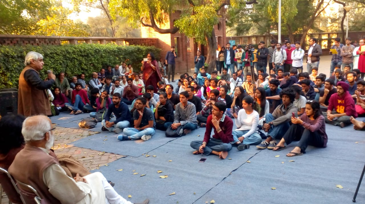 On Delhi's campuses, farmers' outfit and Sainath explain agrarian crisis to students