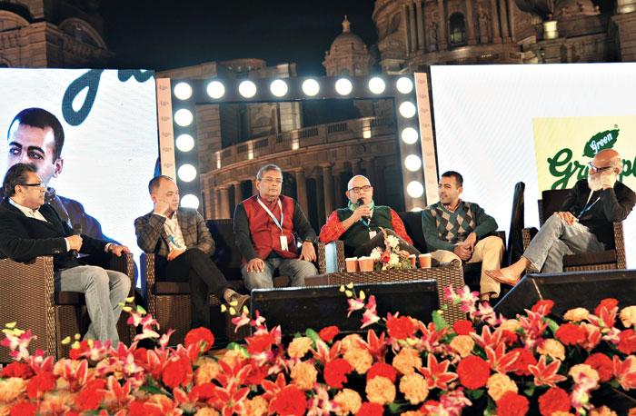 (L-R) Moderator Saugata Banerji and speakers Vu Tran, Ajoy Bose, Vineet Arora, Jaimin Rajani and Susmit Bose