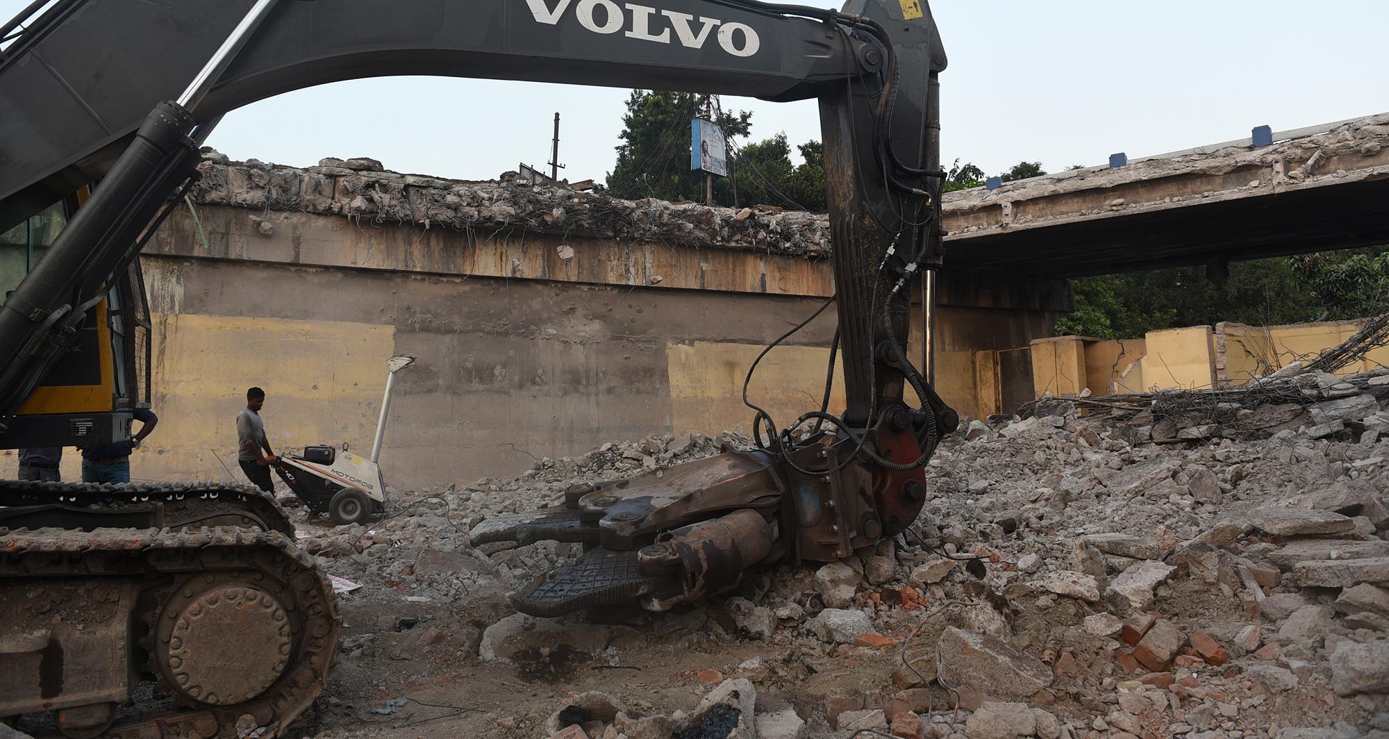 Collapsed Majerhat Bridge being demolished.
