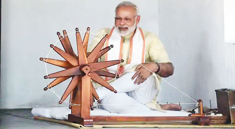Modi cites Mahatma Gandhi to attack Congress