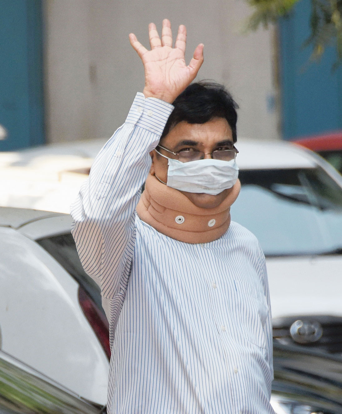 Anand Teltumbde arrives to surrender before the NIA in Mumbai on Tuesday.