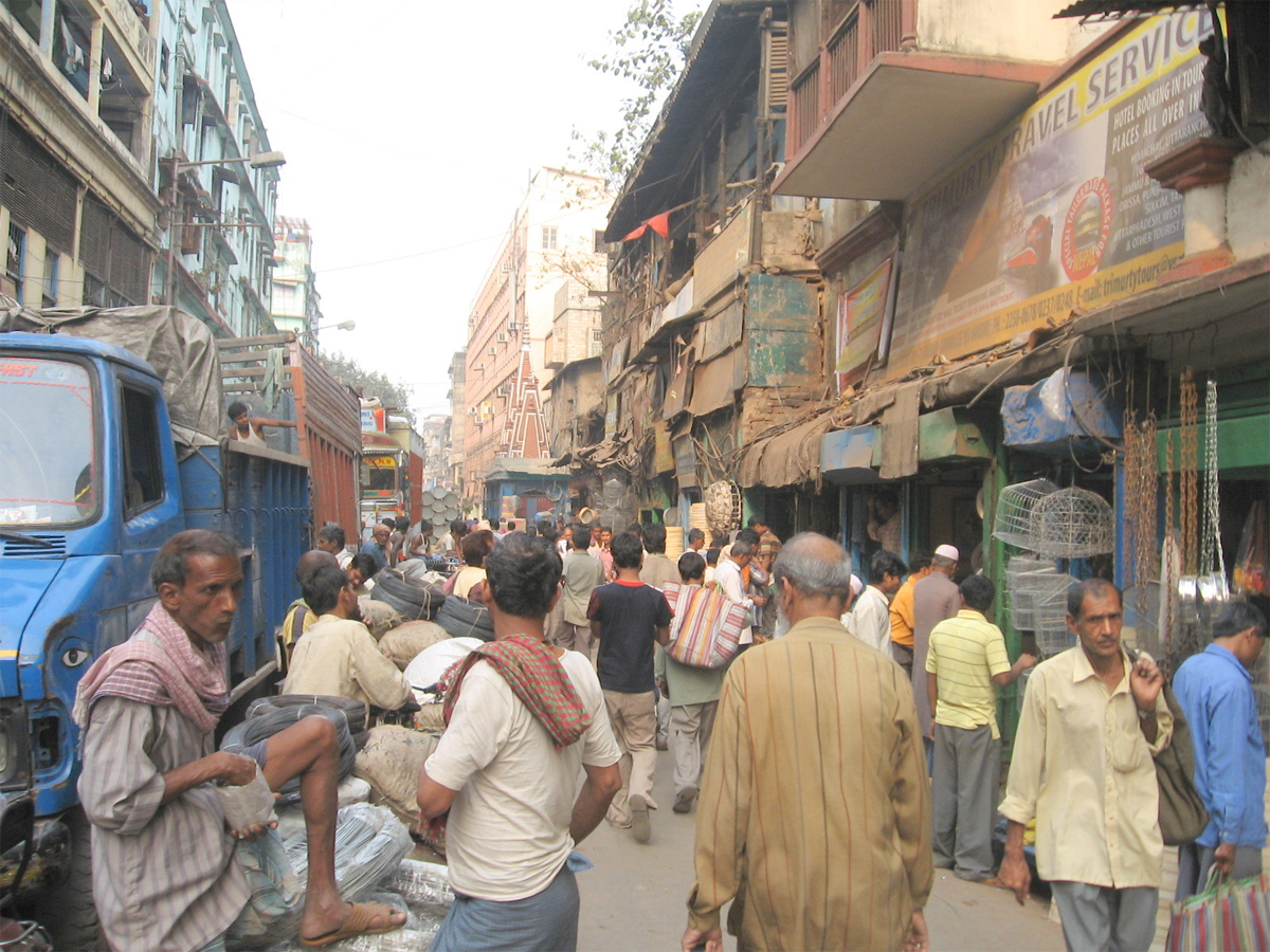 Once the trucks unload goods in the alternative place, smaller vehicles could take them to the markets, officials in the government said. This was the model that was originally planned to decongest Burrabazar.