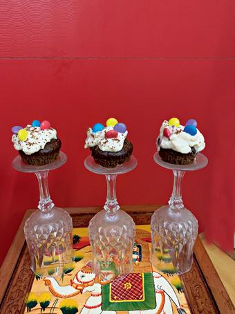 Dalgona Coffee Chocolate Cupcakes