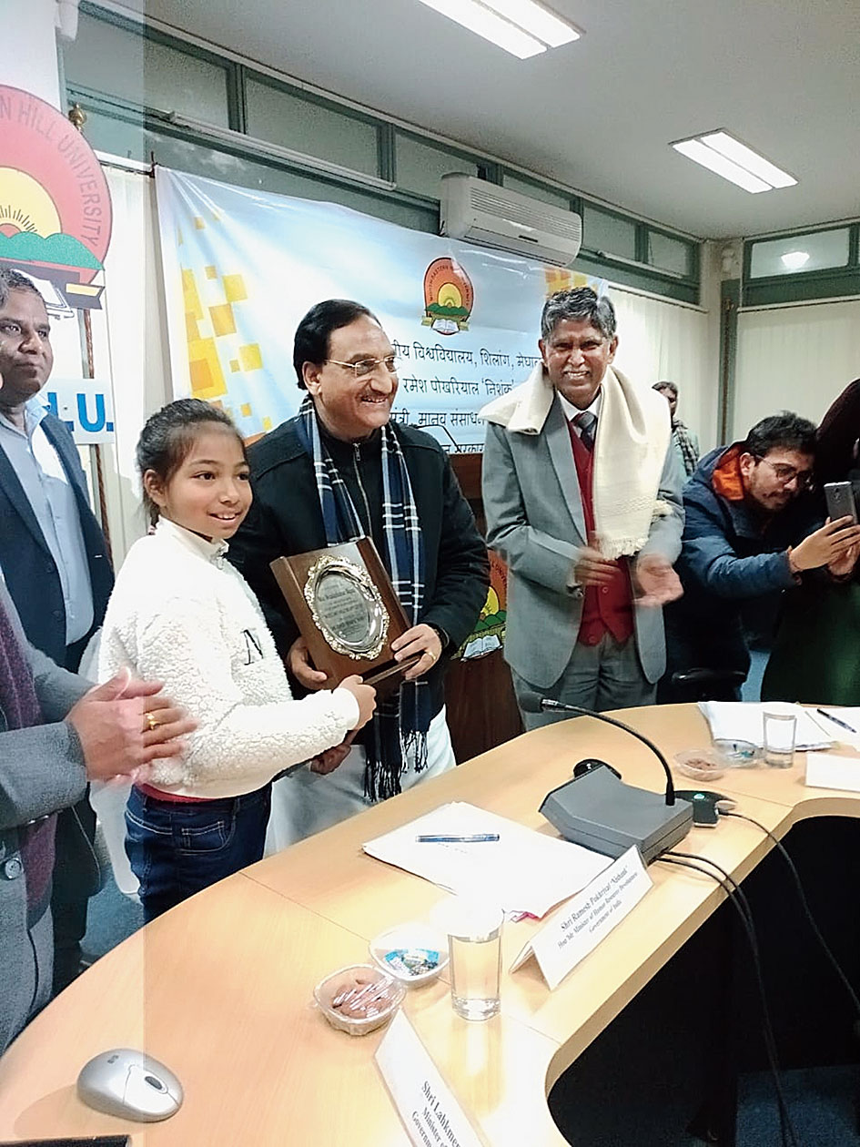 Pokhriyal felicitates nine-year-old Meaidaibahun Majaw for developing an anti-bullying app