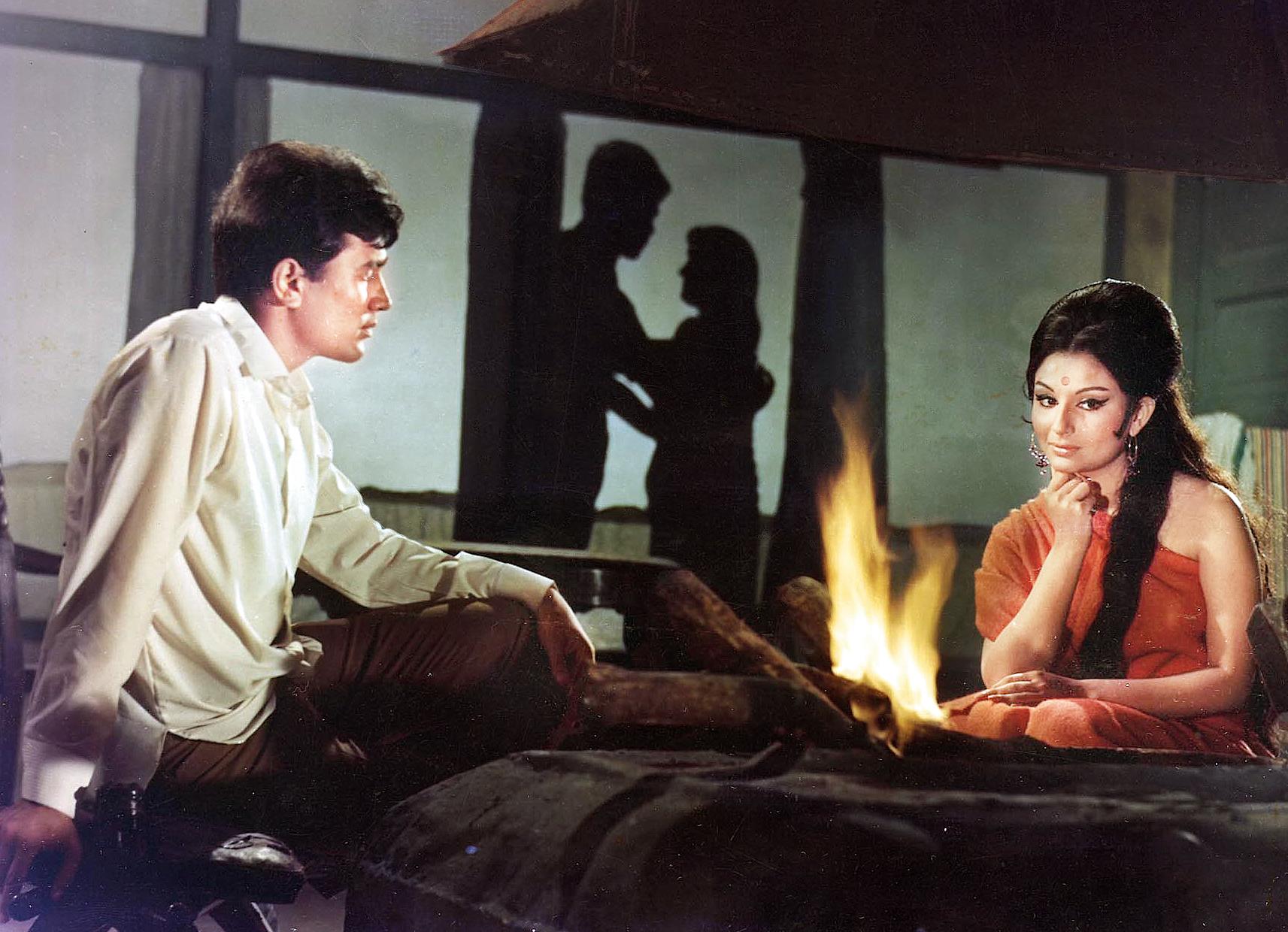 Rajesh Khanna and Sharmila in the Roop Tera Mastana sequence