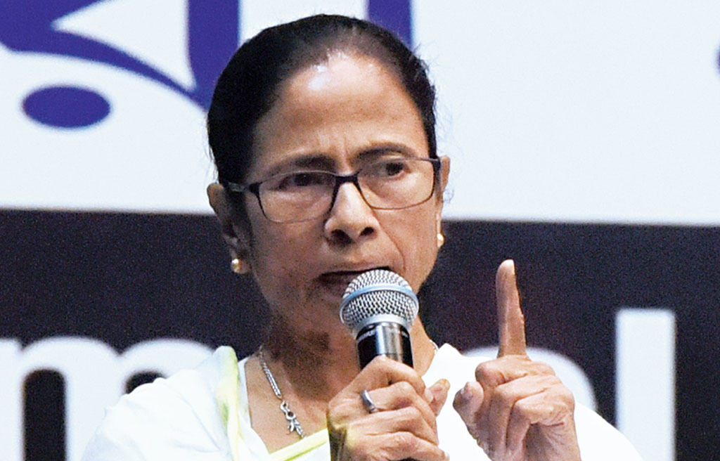 Mamata tip to beat NRC  paper fear