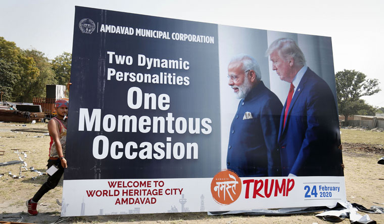 A poster for Donald Trump's India visit.