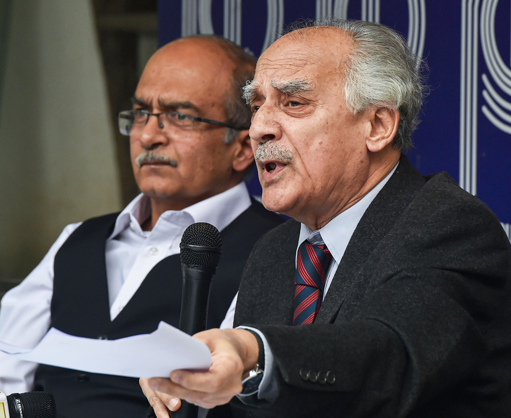 Author and former Union minister Arun Shourie and Prashant Bhushan addresse a press conference on the Rafale review judgment, in New Delhi, Friday, November 15, 2019.