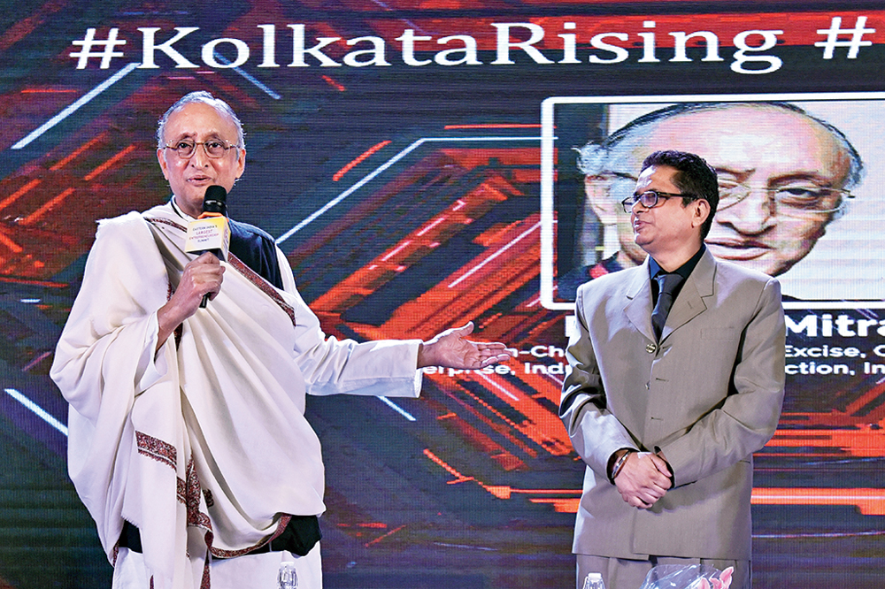Amit Mitra with Rajeev Kumar in Calcutta on Thursday