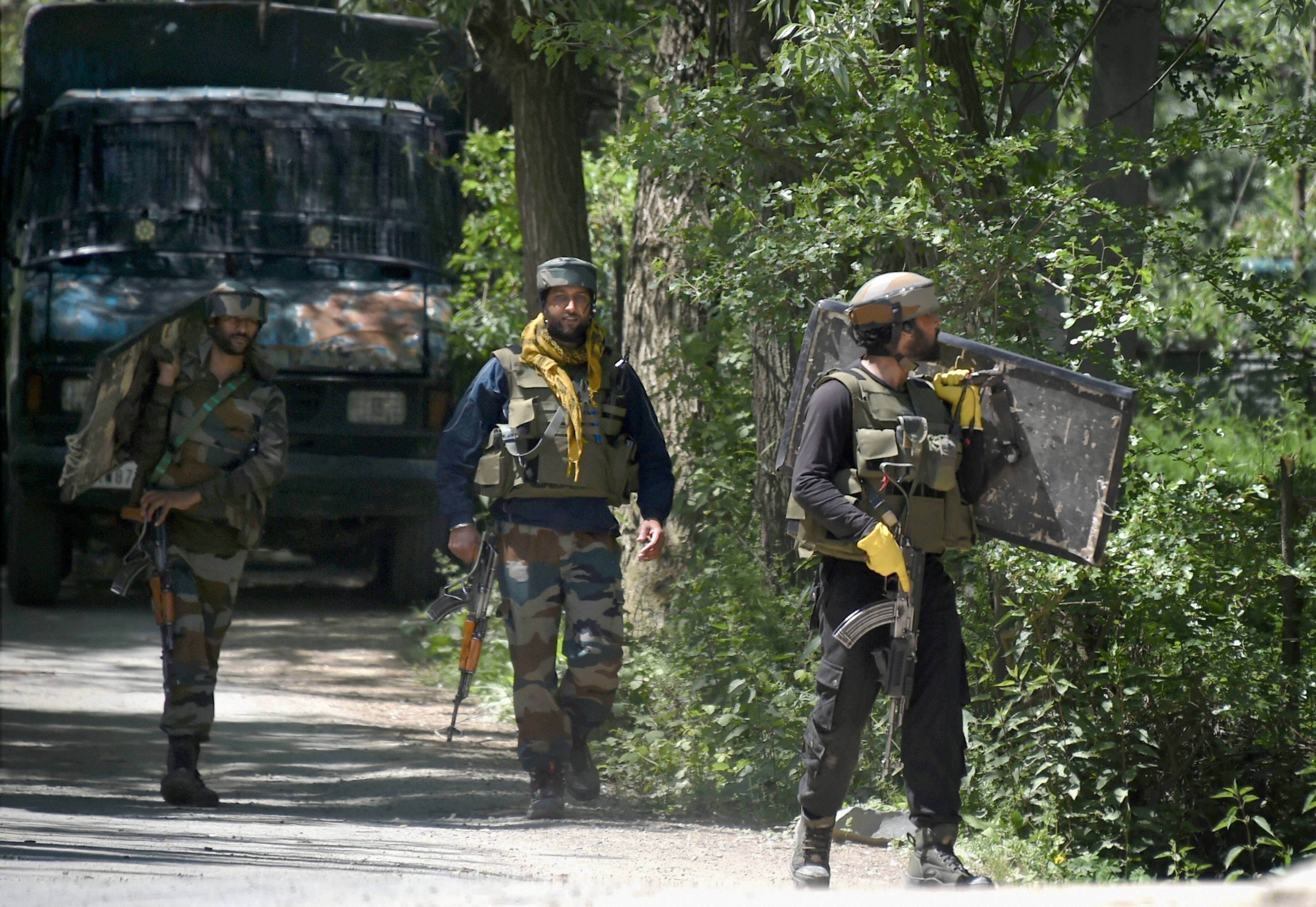 Soldiers during an encounter with militants at Beighpora area in Pulwama on May 6, 2020.