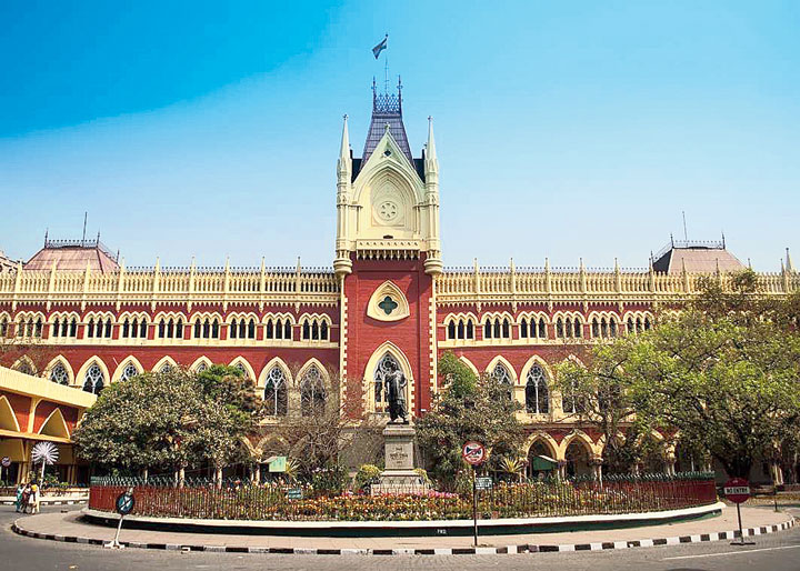 Justice Bhattacharyya had restrained the government from giving effect to the notice till March 18, when the court scheduled its order on his petition seeking a restraining order on the Centre and a recall of its directive to the student.
