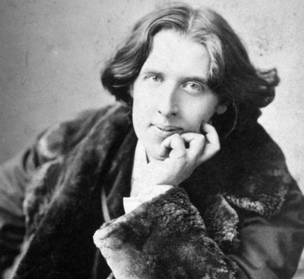 Oscar Wilde: Journey through the paradoxes of art and life